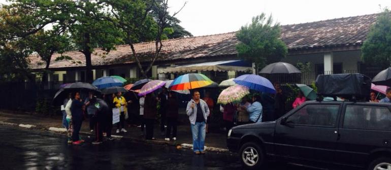 Moradores pedem solução para Centro de Saúde fechado no Jardim Florence